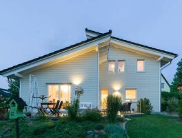 holzhaus bauhausstil eine stadtvilla in bonn. Black Bedroom Furniture Sets. Home Design Ideas