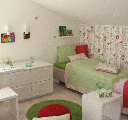 im kinderzimmer kann es gar nicht fr hlich genug zugehen holzh user von stommel haus. Black Bedroom Furniture Sets. Home Design Ideas