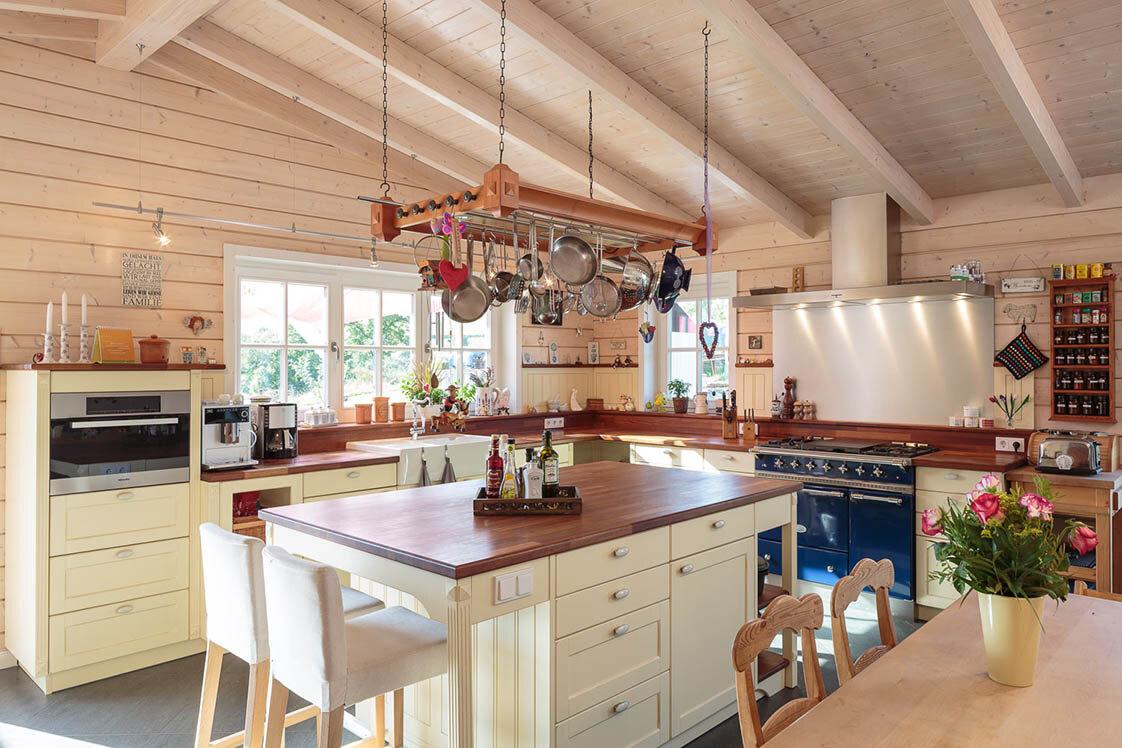 gro familien haus im landhaus stil holzh user von stommel haus. Black Bedroom Furniture Sets. Home Design Ideas